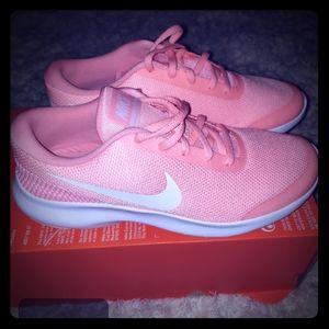 Women Nike Flex Experience RN 7